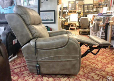 Pride Power Recliner floor model