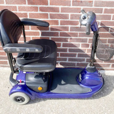 Invacare Lynx mobility scooter - right side