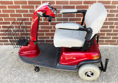 Rascal 600 mobility scooter with seat lift - left side