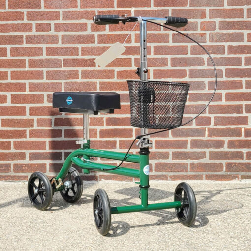 Kneerover Steerable Knee Scooter - manual aid - in Green - Three quarter view