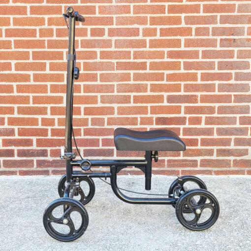 Kneerover Steerable Knee Scooter - manual aid - in Black - Left side view