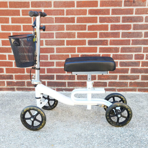 Steerable Knee Scooter - manual aid - in White - Left side view