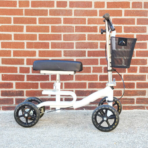 Steerable Knee Scooter - manual aid - in White - Right side view