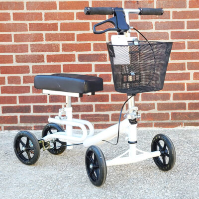 Steerable Knee Scooter - manual aid - in White - Three-quarter view